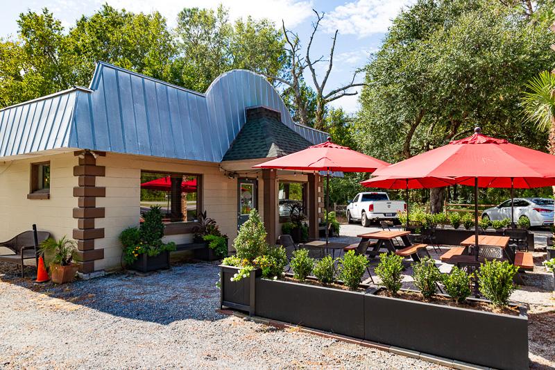 angel oak cafe outside travel is sweet